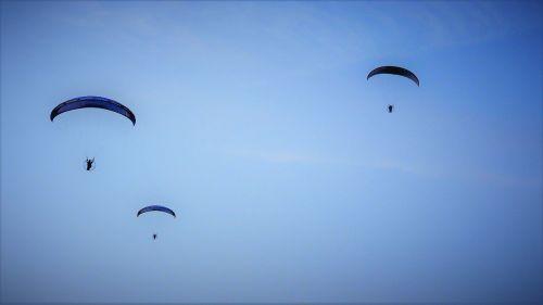 parachute paragliding sky