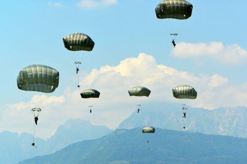 parachutes training parachuting