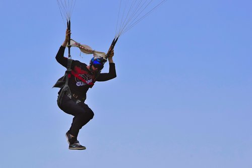 parachutist  sky  flying