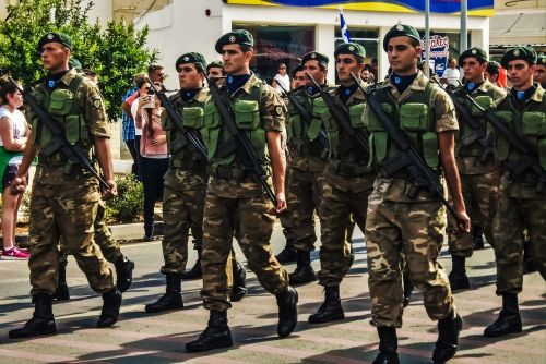 parade soldiers army