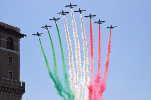 parade  military  tricolor arrows