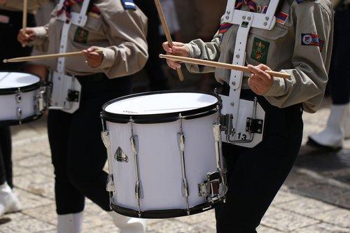 parade  drums  drummer