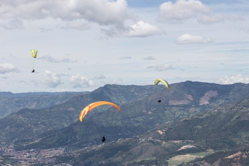 paragliding colombia city