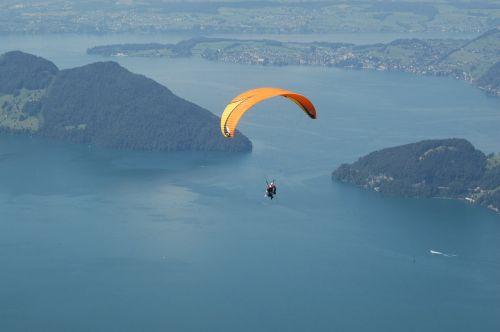 paragliding sport lake