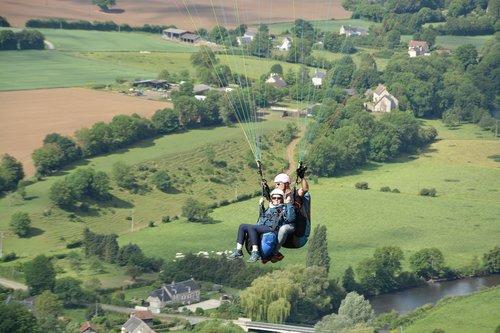 paragliding  paragliding bis place  paragliders