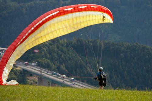 paragliding mountain autobahn