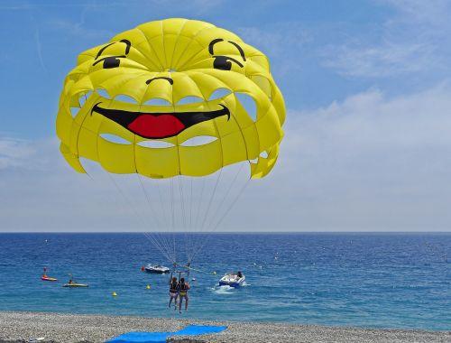 parasailing start beach