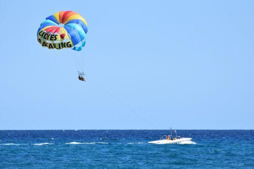 parasailing sports sea