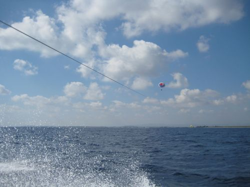 parasailing fly water sports