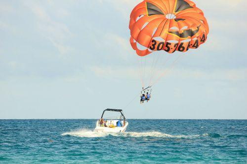 parasailing water sports usa