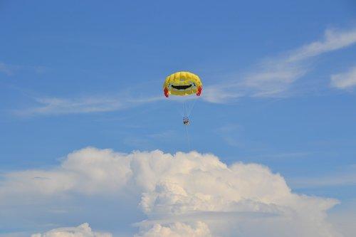parasailing  sky  blue