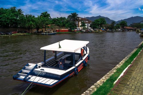 paraty canal barco
