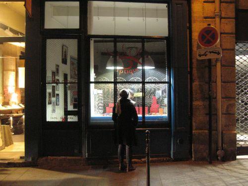 paris night window