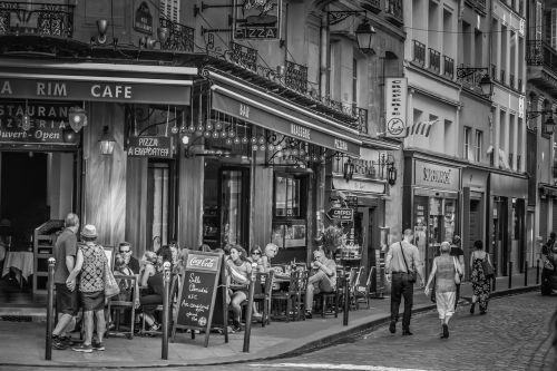 paris cafe road