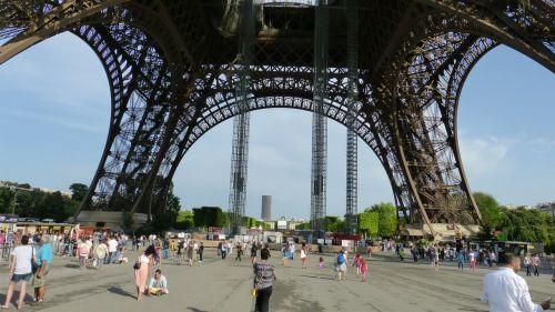 paris eiffel tower architecture