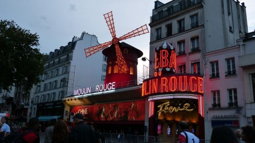 paris moulin rouge pleasure