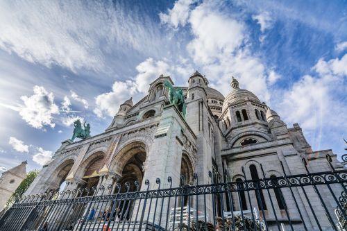 paris,montmarte,Šventoji širdies bazilika,france,Europa,montmartras,architektūra,turizmas,miestas,bažnyčia,fasadas,senas,krikščionis,istorinis,bazilika,kelionė,senovės,katedra,Miestas,Prancūzų kalba,miesto,krikščionybė,istorija,turistinis,saulėtas,diena,katalikų,basilikas,paveldas,pastatas,kupolas,mėlynas dangus,pavasaris,saulė,dangus,mėlynas,religija,tradicinis,eksterjeras,žinomas,krikščionybė