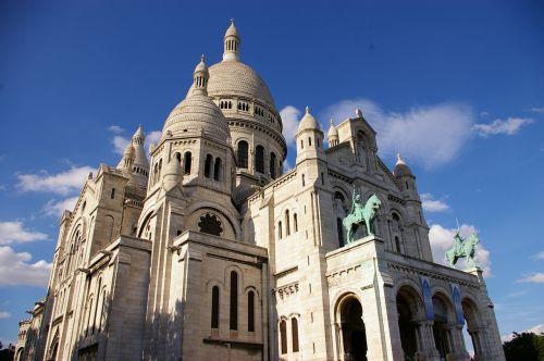paris montmartre cathedral