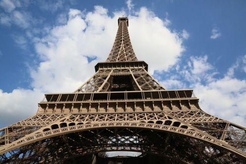 paris the beach tower effie hilton iron tower