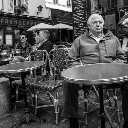 paris street montmartre