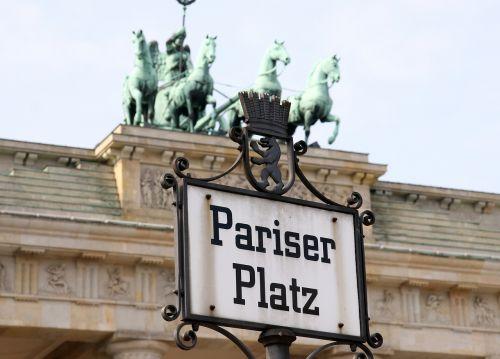 paris burst brandenburg gate berlin