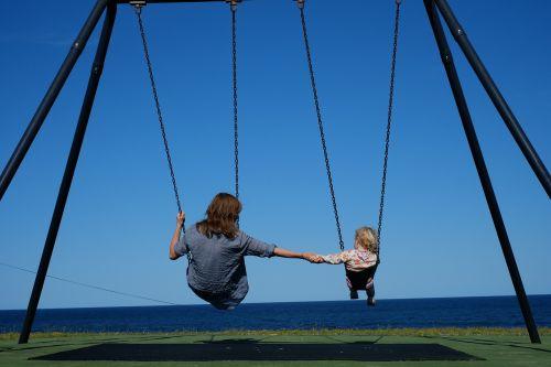 park swing child