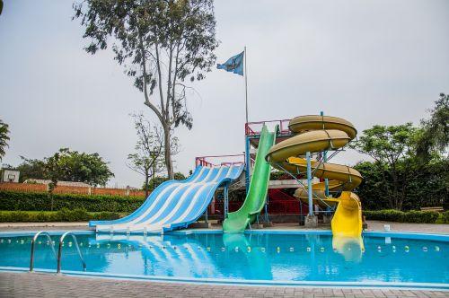 parkas,vandens parkas,linksma,vaikai,vasara,vanduo,poilsis,vandens parkas,maudytis,žaisti,šypsena,gyvenimo būdas,vaikas,Vandens parkas