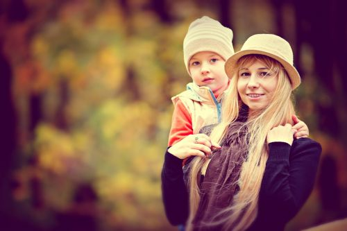 park autumn the child with his mother