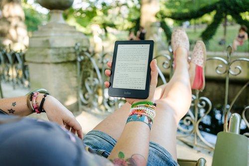park  reading  woman