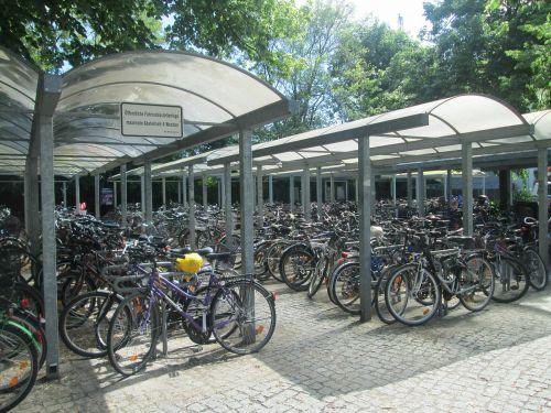 parking bikes transport