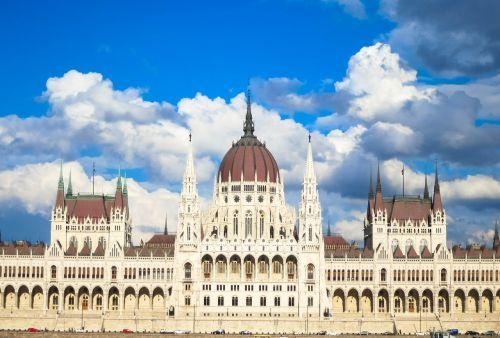parliament budapest architecture