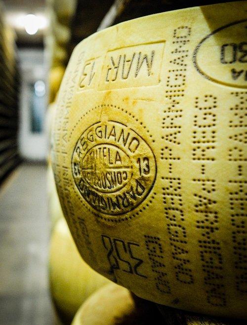 parmigiano  parmesan  cheese