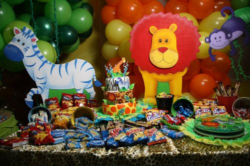 party candies balloons
