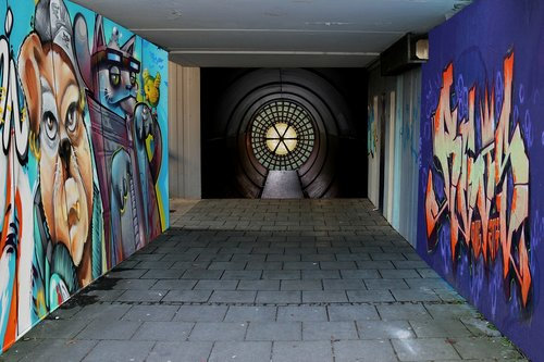 passage  underpass  graffiti
