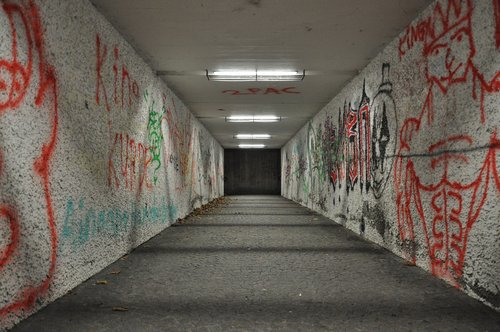 passage  night  underpass