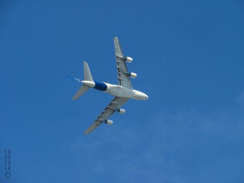 passenger aircraft flugshow airbus