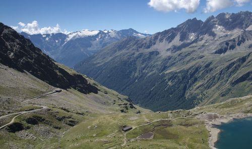 passo gavia mountains pass