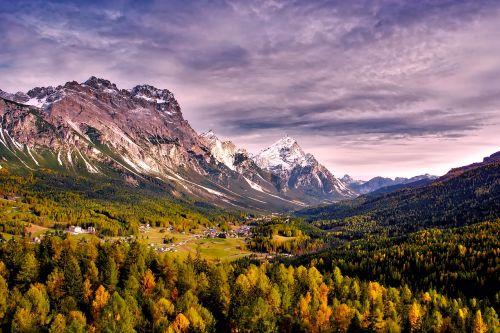 passo giau italy mountains
