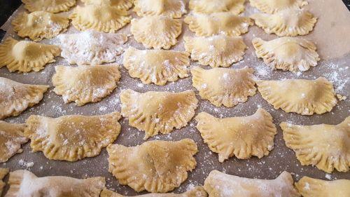 pasta tortellini noodles