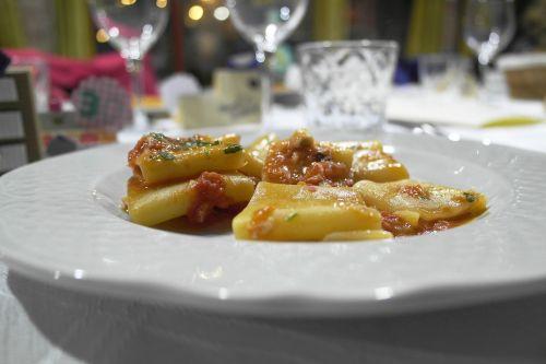 pasta restaurant lunch
