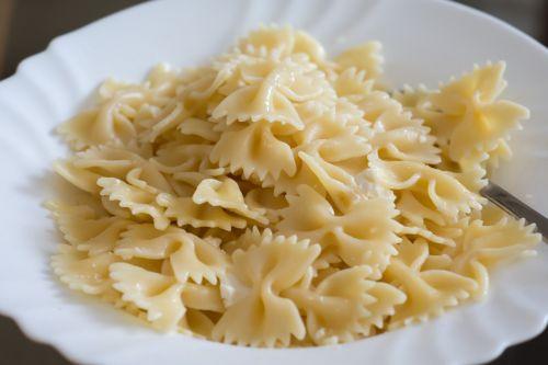 pasta,italian food,italian,cuisine,meal,dinner,spaghetti,healthy,restaurant,cooking,lunch,italy,mediterranean,dish,basil,fork,delicious,eat,recipe,menu,gourmet,oil