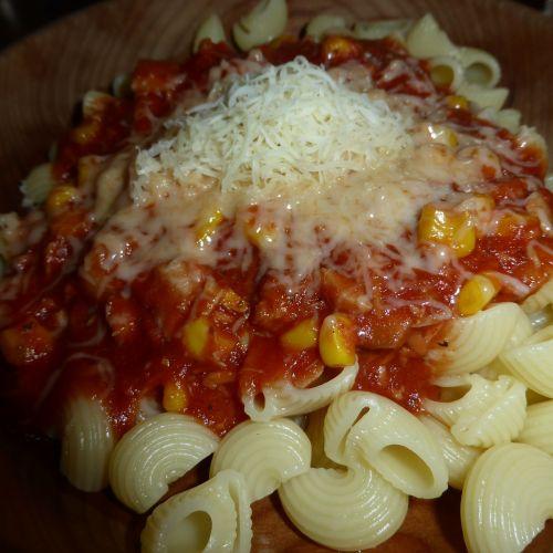 pasta noodles tomato sauce