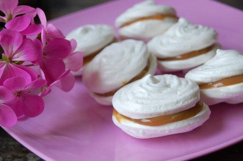 pastry  meringue  sweet