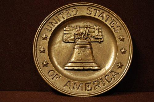 patriotic  bicentennial  plaque