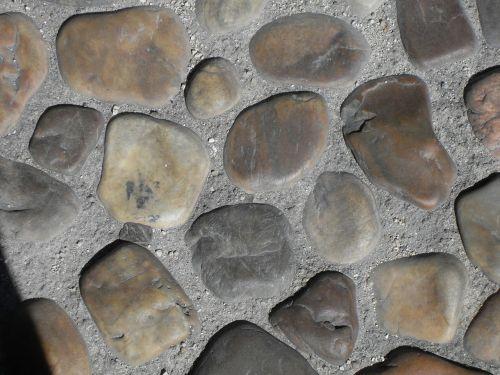 pavement boulders spain