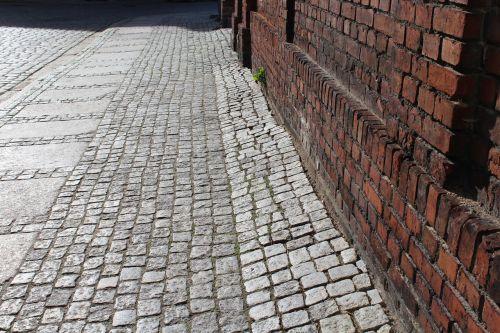 pavement stone walkway