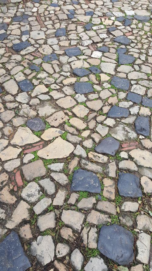 pavers roads lisbon