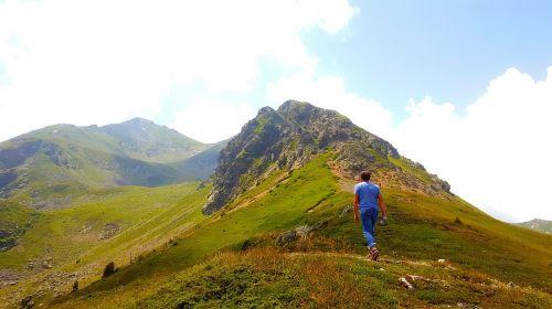 peak rocks mountain