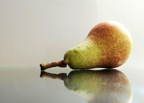 pear fruit bio