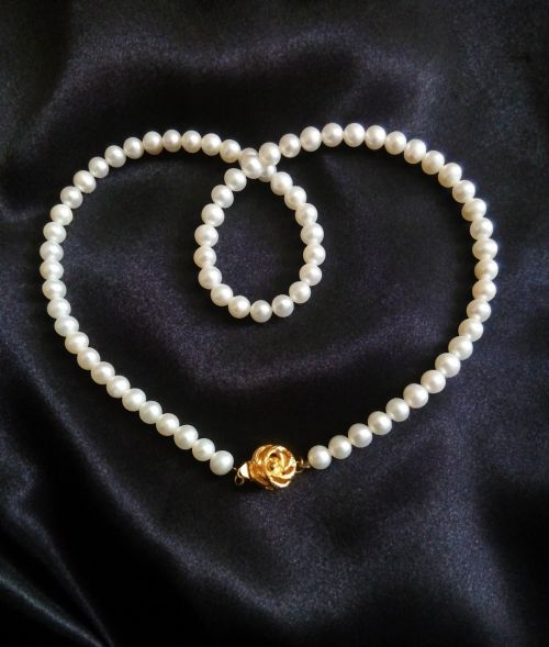 pearl pearl necklace jewelry